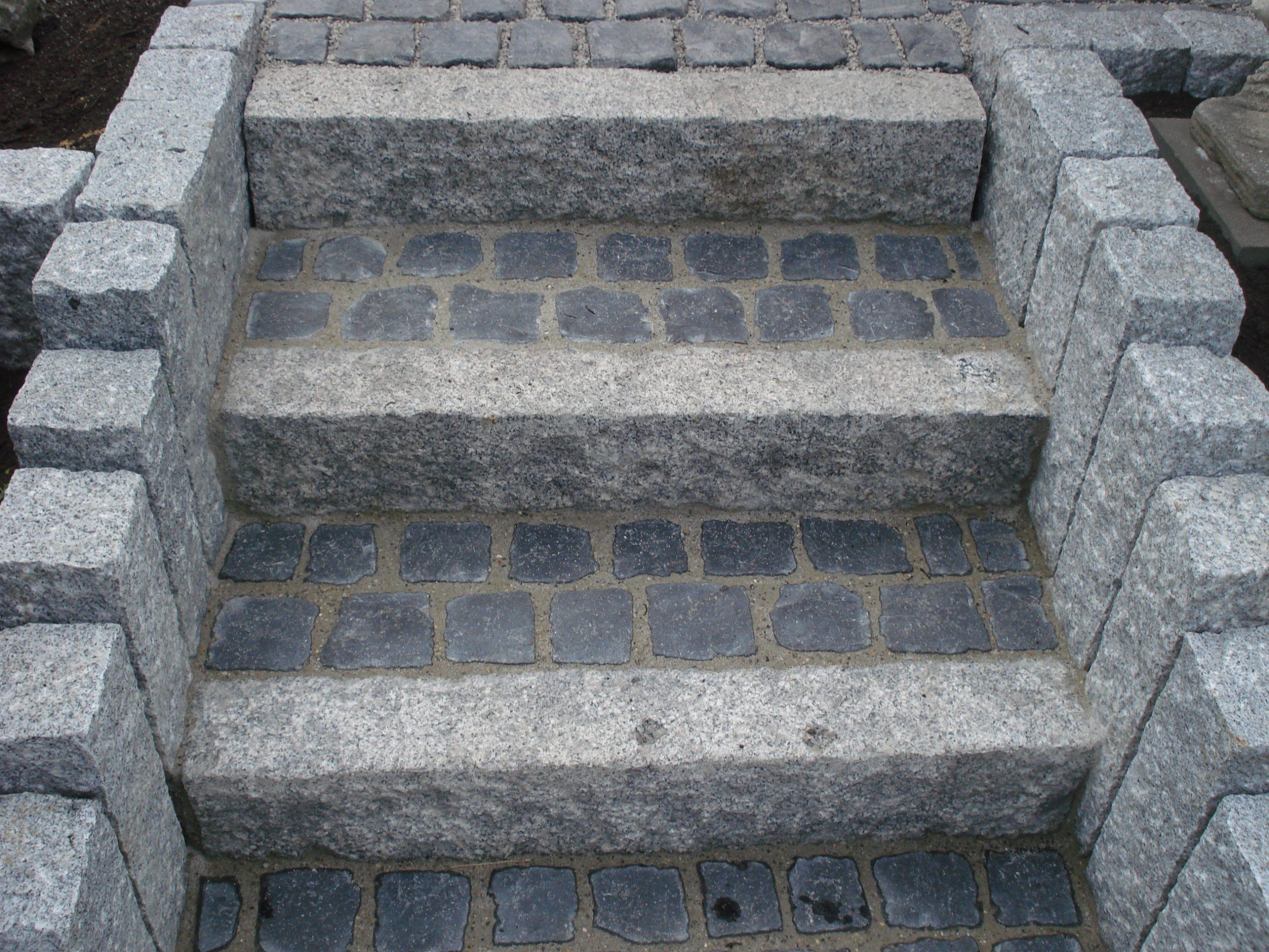 Granitbordstein 12x30x100cm