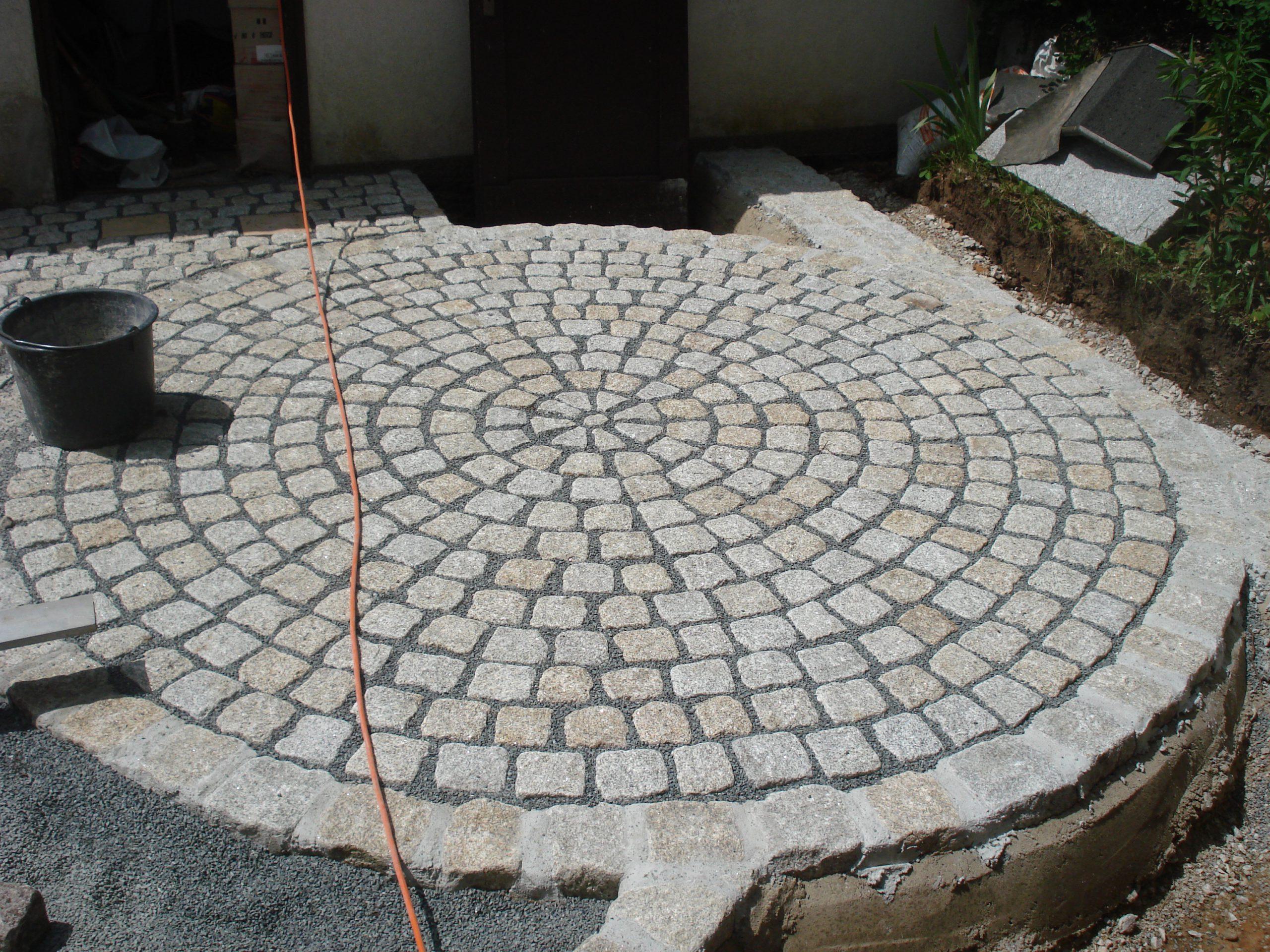 Granitkreis 10x10cm, Einfassung Granit 15/17cm